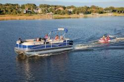 2012 - Sun Tracker - Party Barge 220 XP3