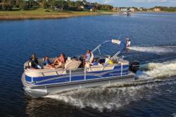 2013 - Sun Tracker - Party Barge 220 XP3