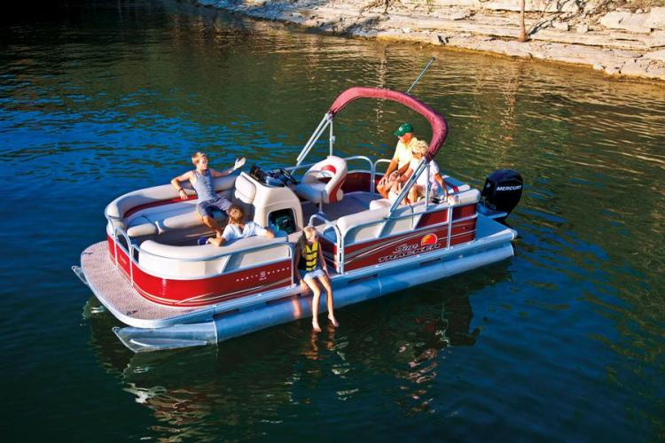 l_party-barge-20-dlx_img22046_900