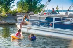 2015 - Sun Tracker - Fishin- Barge 22 XP3