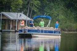 2018 - Sun Tracker - Fishin- Barge 22 DLX