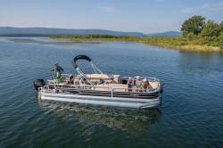 2018 - Sun Tracker - Fishin- Barge 24 DLX