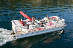 Sun Tracker PARTY BARGE 25 XP3 IO Regency Edition Pontoon Boat