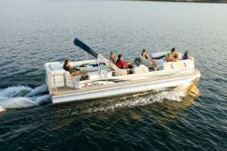 Sun Tracker PARTY BARGE 27 IO Regency Edition Pontoon Boat