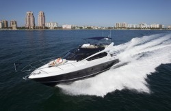 2017 - Sunseeker Yachts - Manhattan 65