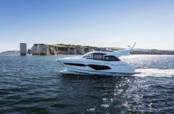 2017 - Sunseeker Yachts - Manhattan 52