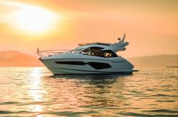 2018 - Sunseeker Yachts - Manhattan 52