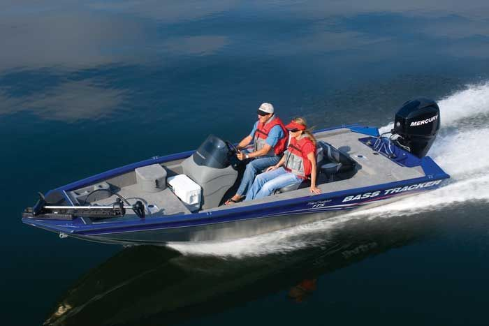 Research Tracker Boats on iboats com