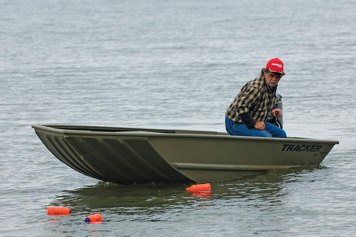 Research 2010 - Tracker Boats - Grizzly 1448 Jon on iboats com