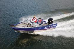 2011 - Tracker Boats - Pro Guide V-16 WT