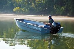 2011 - Tracker Boats - Guide V-16 Laker Deep V