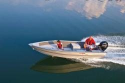 2012 - Tracker Boats - Guide V-16 Laker Deep V
