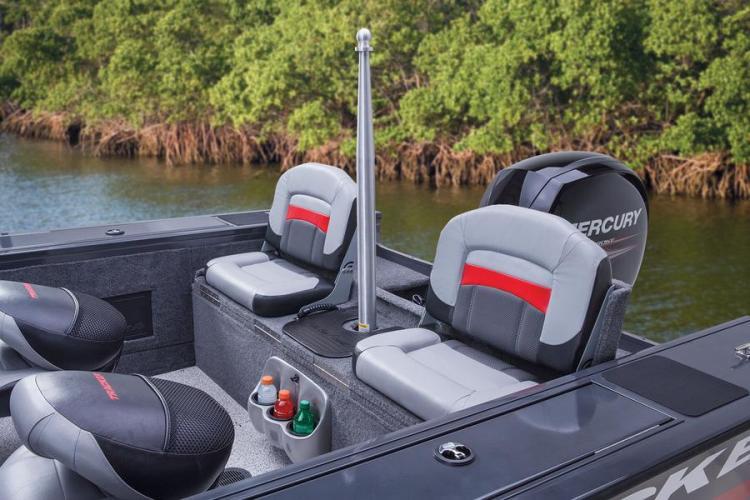 l_new2014basstrackerfishingboat