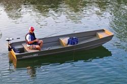 2014 - Tracker Boats - Topper 1542 LW Riveted Jon