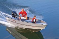 2014 - Tracker Boats - Guide V-16 Laker Deep V