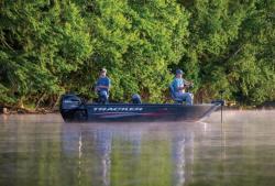 2015 - Tracker Boats - Pro Guide V-16 T