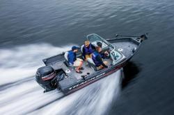 2015 - Tracker Boats - Pro Guide V-16 WT