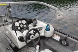 2015 - Tracker Boats - Pro Guide V-175 WT