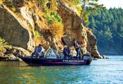 2017 - Tracker Boats - Pro Guide V-16 WT