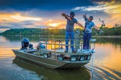 2019 - Tracker Boats - Grizzly 2072 CC Sportsman Kicker