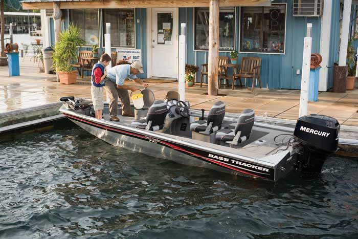 l_Tracker_Boats_-_Pro_Crappie_175_2007_AI-243416_II-11351673