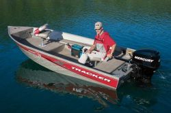 Tracker Boats Super Guide V-14 T Multi-Species Fishing Boat