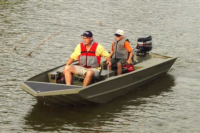 Research Tracker Boats Grizzly 1648 Bass SS Bass Boat on