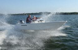 2013 - Triumph Boats - 170 DC