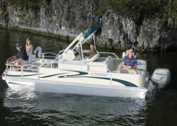 2014 - Voyager Boats - 18- Sport Fish