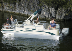 2015 - Voyager Boats - 18- Sport Fish