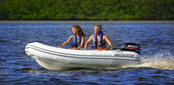 2009 - Walker Bay Boats - Genesis RTL 310