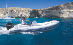 2011 - Walker Bay Boats - Generation 390