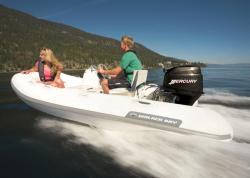 2014 - Walker Bay Boats - Genesis Console 310FTL