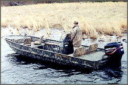 War Eagle Boats 2372LDSV Center Console Boat