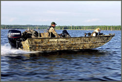 War Eagle Boats 860DSV Center Console Boat