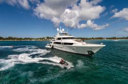 2018 - Westport Yachts - W130