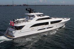 2020 - Westport Yachts - W125