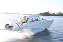 2020 - World Cat Boats - 320 DC