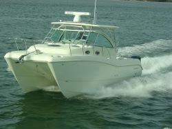 2014 - World Cat Boats - 320 EC Express Cabin