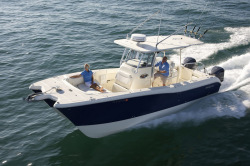 2014 - World Cat Boats - 290 CC Center Console