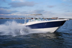 2015 - World Cat Boats - 295 DC Dual Console