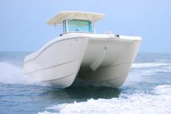 2015 - World Cat Boats - 320 CC Center Console