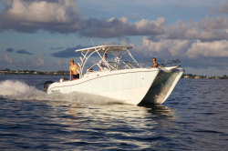 2018 - World Cat Boats - 255DC