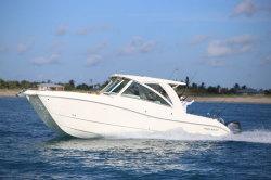 2018 - World Cat Boats - 320DC