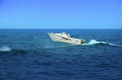 World Cat Boats 270EC Express Cabin Boat