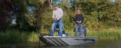 2014 - Xpress Boats - Striker 17