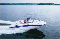 Yamaha Marine SR210 Boat