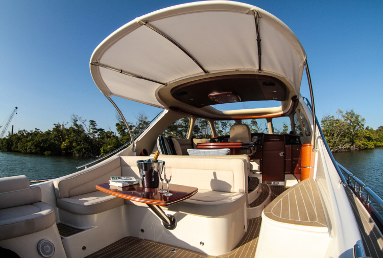l_opendeckcruiserboat