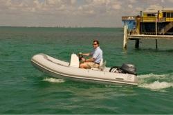 2014 - Zodiac Boats - Bayrunner 340