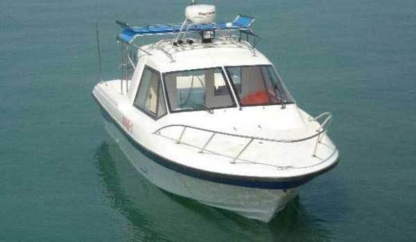 l_25fiberglassboat